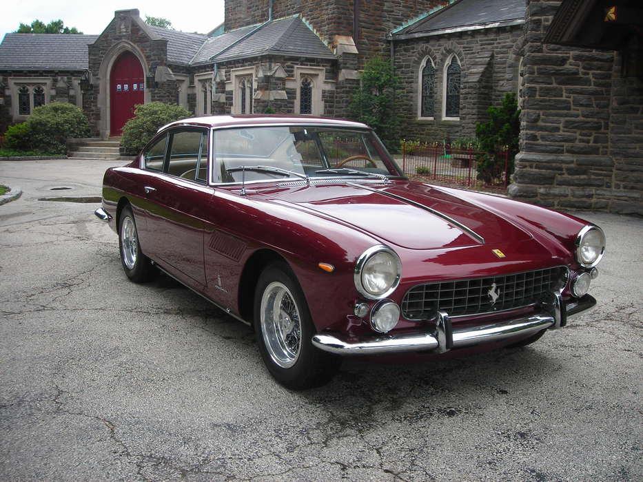 Front 3/4 Photo-Ferrari-330 America