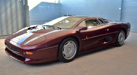 1993 Jaguar XJ220 - 871 kilometers