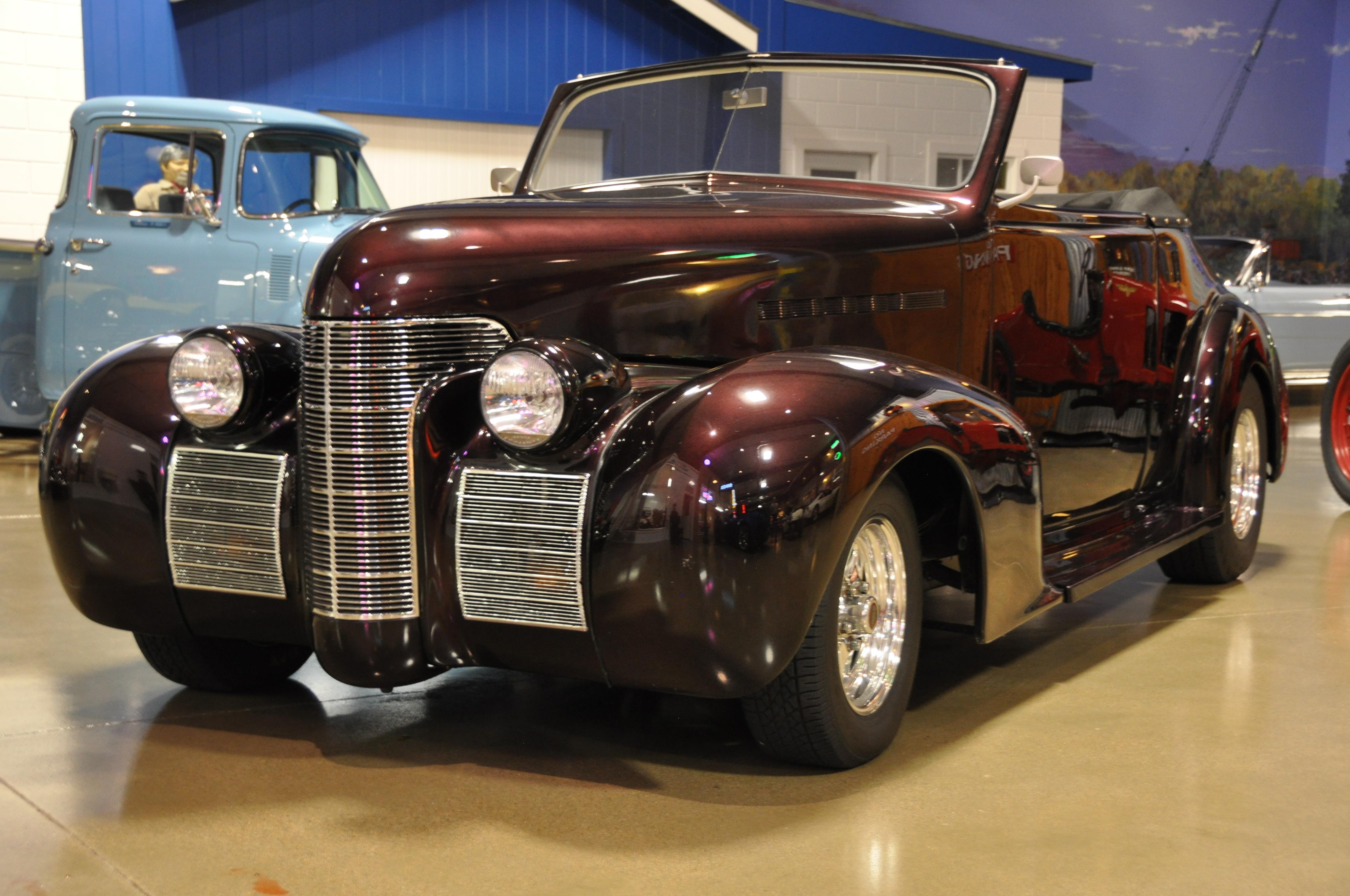 1939 Oldsmobile Custom