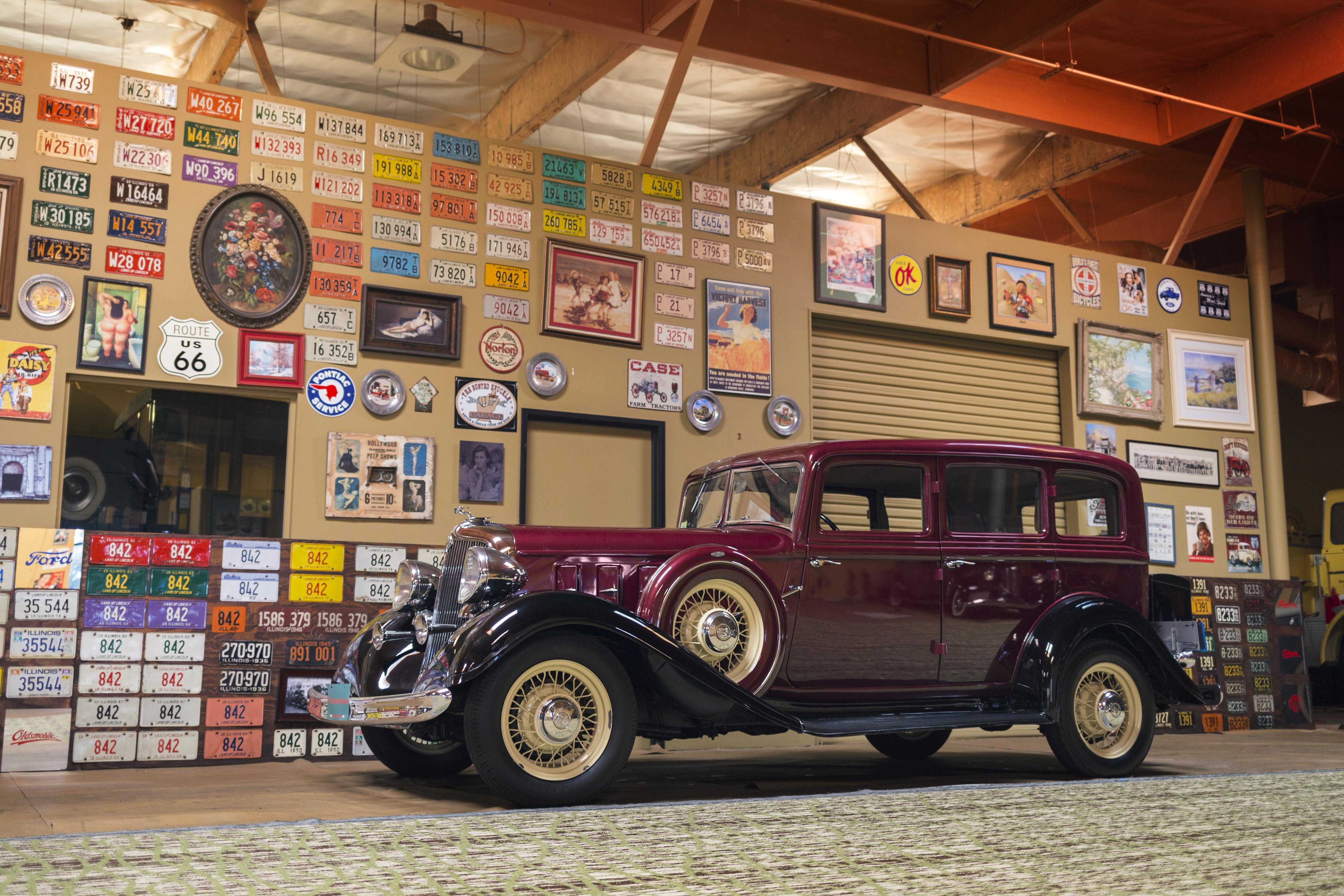 1933 Chrysler Royal Eight