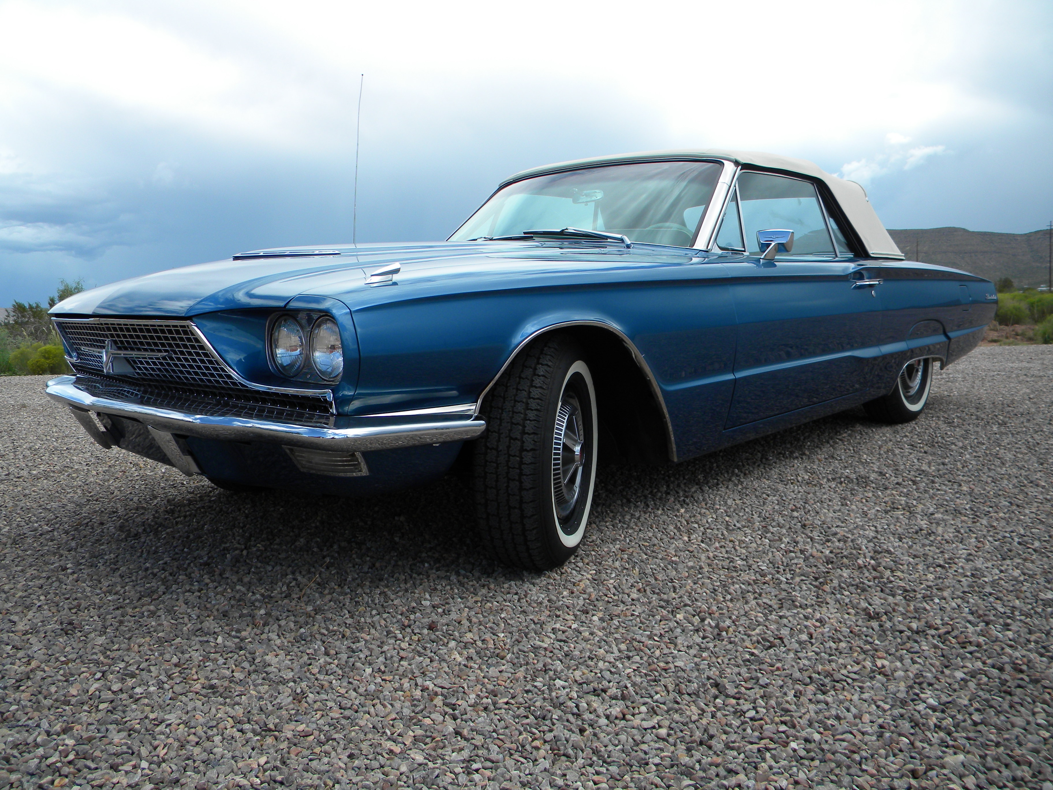 1966 Ford Thunderbird 428